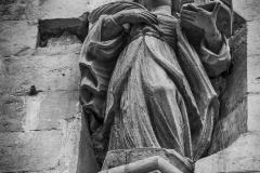 Lala_Amleto_S.Irene_statua situata in_alto_sul_muro_prima_del_Duomo_di_Lecce